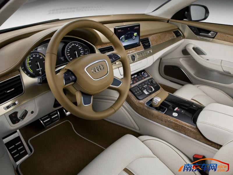 2010款奥迪a8 混合动力车 中控台