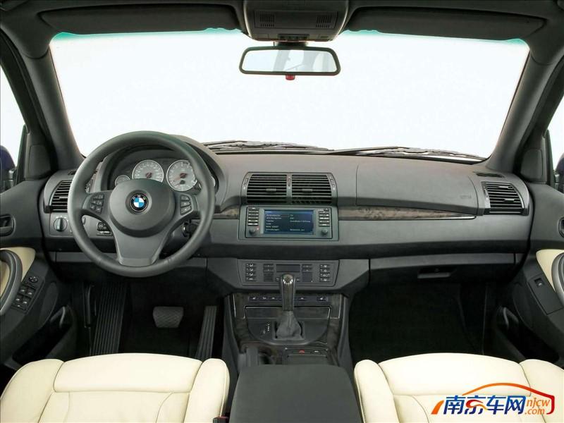 2004款宝马x5 4.8is 中控台