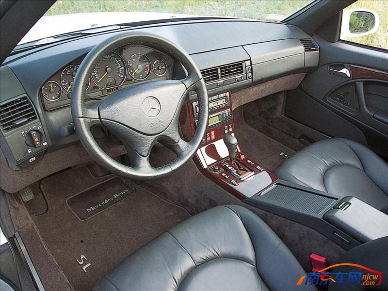 2001款梅赛德斯奔驰sl500 中控台高清图片