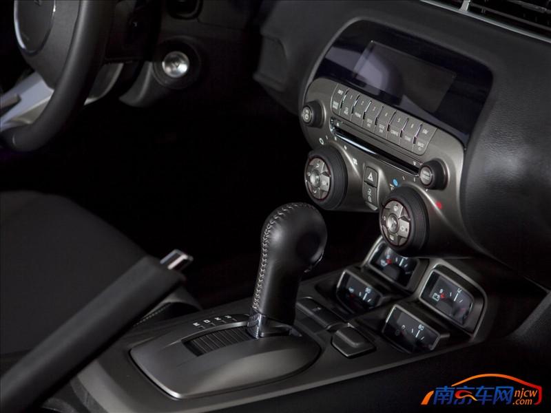 2010款雪佛兰camaro ss 中控台 高清图片