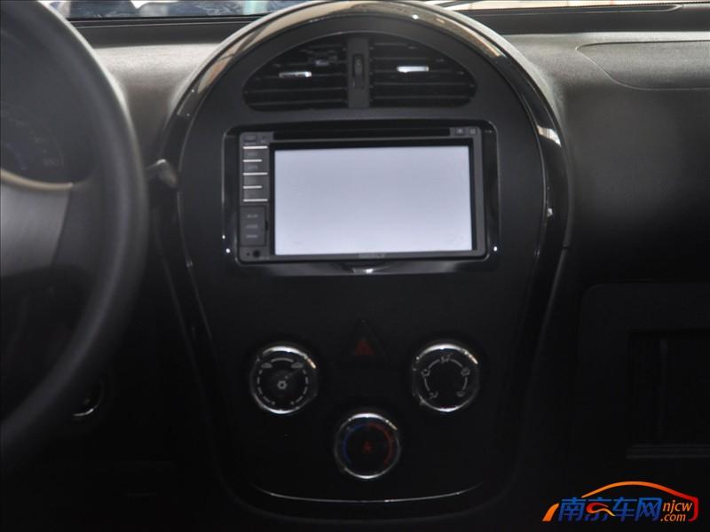 汽车 gx2/全球鹰GX2 尊贵版中控台