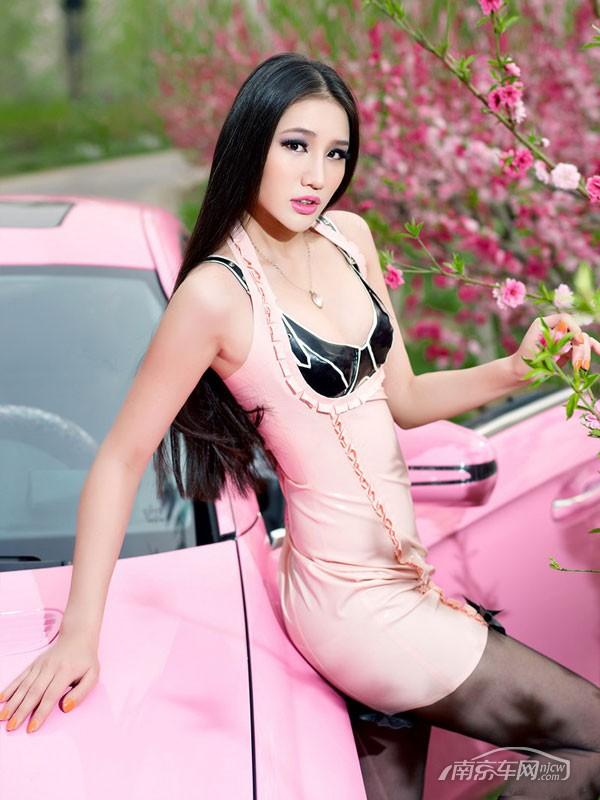 粉色系美女春色诱惑