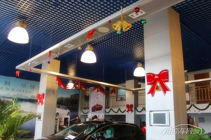 汽车4s店展厅布置,汽车4s店展厅布置方案,4s店圣诞节展厅布高清图片