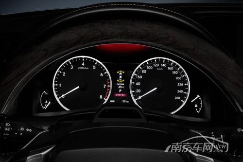 传统的白底黑字仪表-2011法兰克福车展 全新雷克萨斯GS即将登场