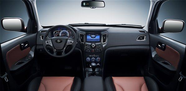 在品质服务方面,海马值得依赖。5年10万公里的品质承诺与蓝色扳手服务,为海马S7车主提供保姆式服务。服务网点遍布全国,使车主随时随地享受舒心售后服务。 海马S7是一款技术品质兼具的都市多功能SUV,通过全面领先同级的技术特征带来更多的驾驶乐趣、贴心的安全保障、便利的驾乘、精致的品质感受,创造了都市SUV的技术派形象,以技术品质标杆的产品形象引领自主品牌11万-15万价格区间都市SUV新趋势。 海马汽车南京经销商 南京雨田4S店 地址:南京市卡子门大街66号(大明路口) 电话:025-52433