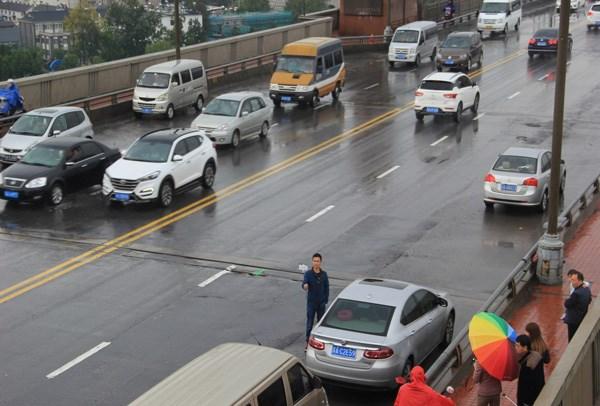 南京长江大桥正式封闭27个月